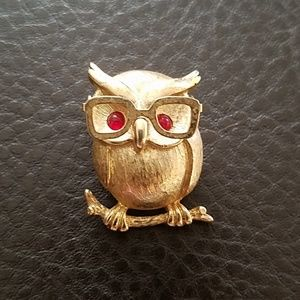 Sarah Coventry owl brooch